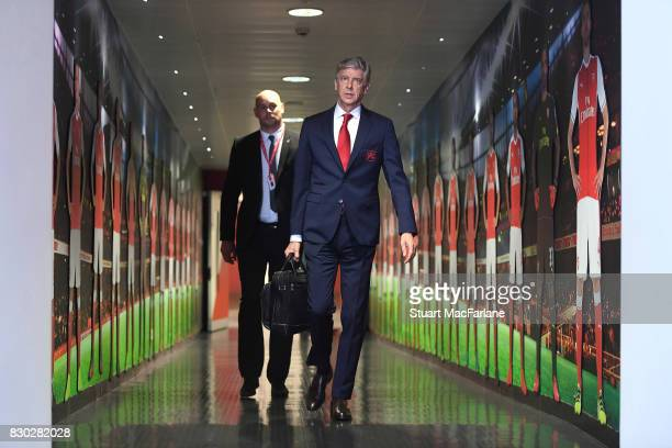 Arsenal manager Arsene Wenger walks to the home changing room before the Premier League match between Arsenal and Leicester City at Emirates Stadium...