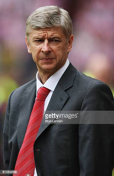 Arsenal Manager Arsene Wenger watches his team during the Barclays Premier League match between Sunderland and Arsenal at The Stadium of Light on May...