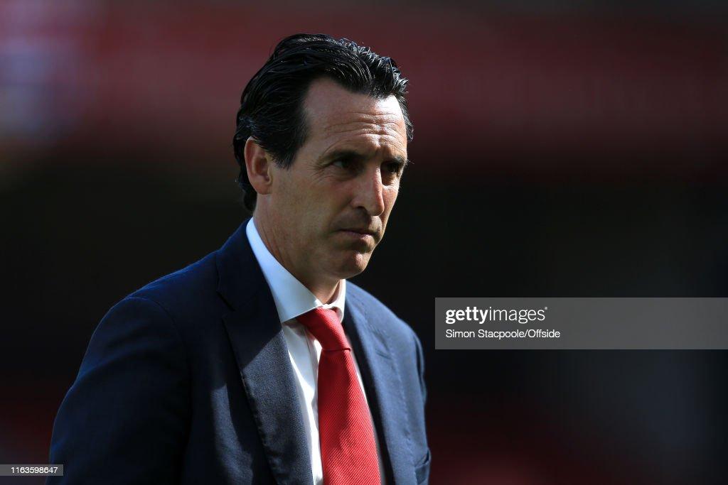 Liverpool v Arsenal - Premier League : ニュース写真