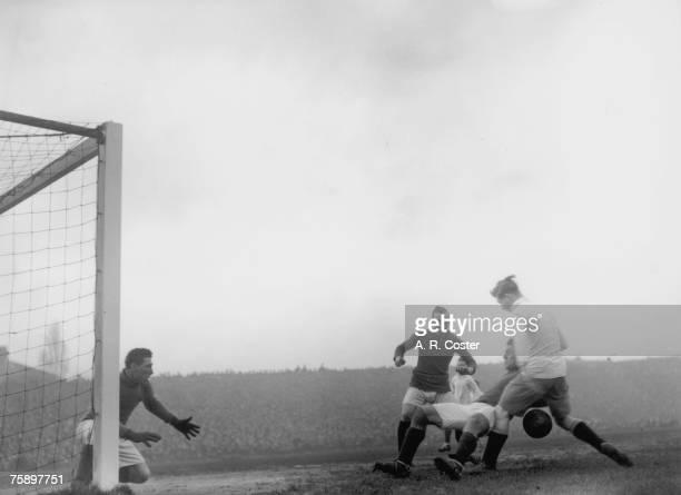 Arsenal play their north London rivals Tottenham Hotspur at Highbury London 20th January 1921