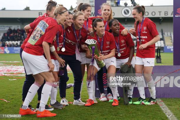 Arsenal players celebrating their championship victory during the FA Women's Super League football match between Arsenal Women and Manchester City...