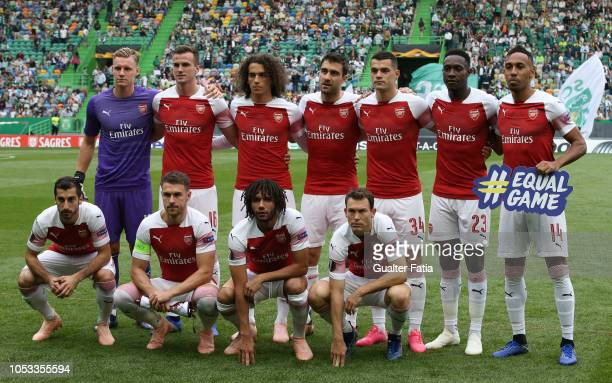 Arsenal players pose for a team photo before the start of the UEFA Europa League Group E match between Sporting CP and Arsenal at Estadio Jose...