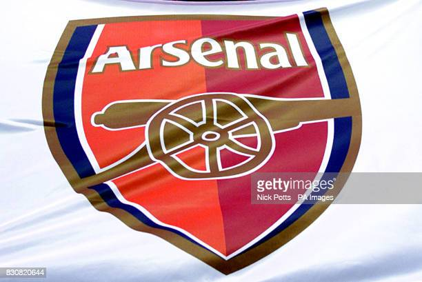 Arsenal show off new club crest THIS PICTURE CAN ONLY BE USED WITHIN THE CONTEXT OF AN EDITORIAL FEATURE NO WEBSITE/INTERNET USE UNLESS SITE IS...