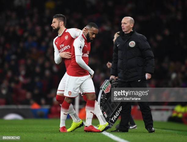 Arsenal substitute Oliver Giroud comes on for Alex Lacazette during the Premier League match between Arsenal and Newcastle United at Emirates Stadium...