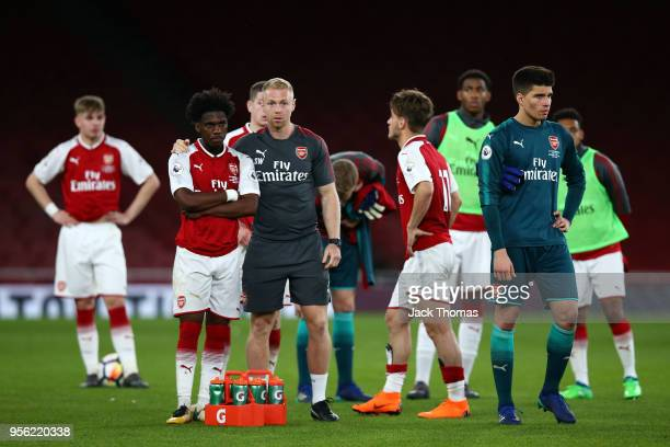 Arsenal U23 players look dejected after losing the Premier League International Trophy between Arsenal U23 and Porto U23 at Emirates Stadium on May 8...