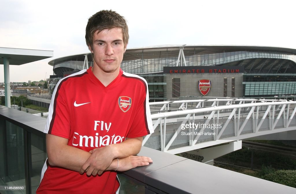 Arsenal Unveil New Signing Aaron Ramsey : ニュース写真