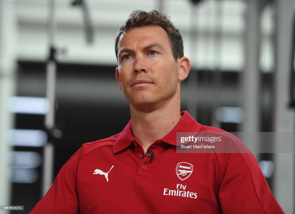 Arsenal Unveil New Signing Stephan Lichtsteiner... : News Photo