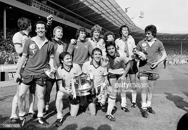 Arsenal with the trophy after their 32 victory over Manchester United in the FA Cup Final at Wembley Stadium London on 12th May 1979 Back row left to...