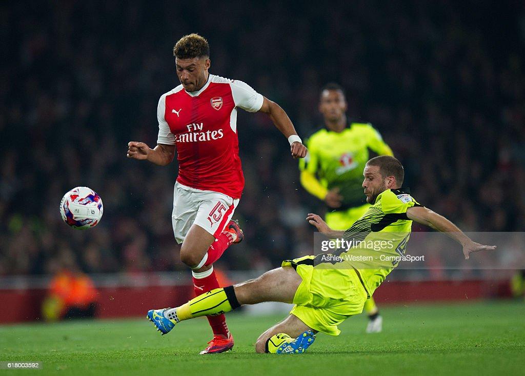Arsenal v Reading - EFL Cup Fourth Round : ニュース写真