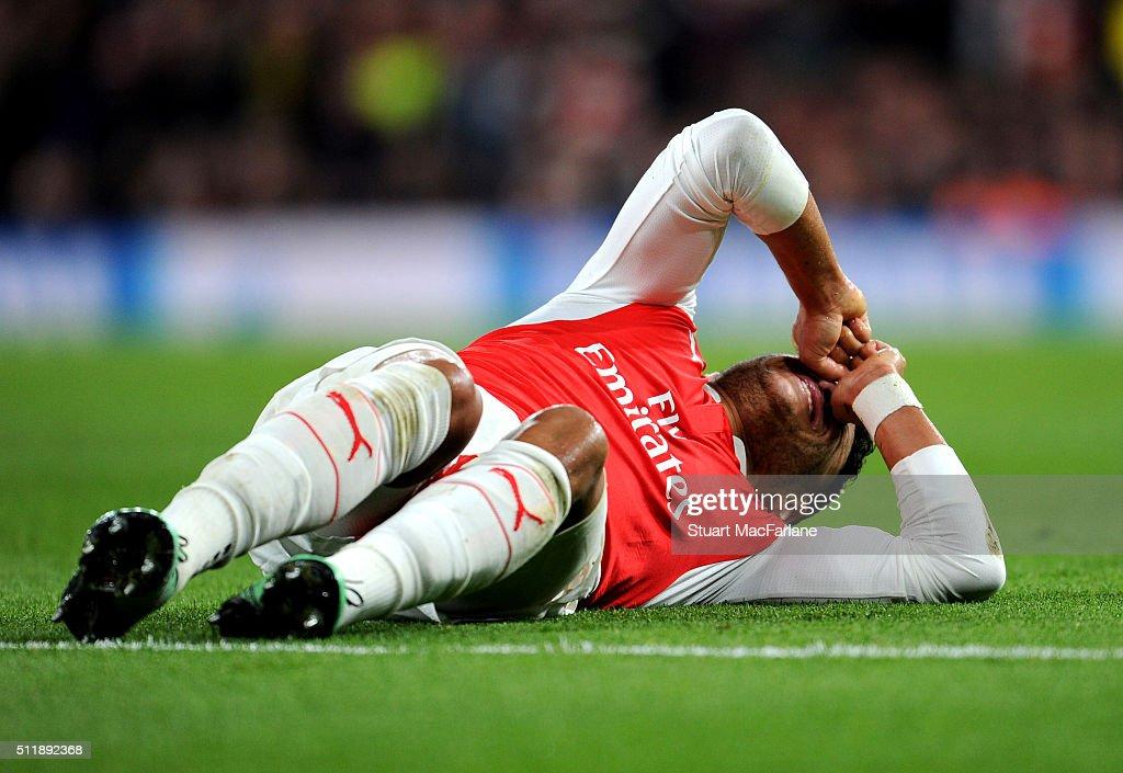 Arsenal FC v FC Barcelona - UEFA Champions League Round of 16: First Leg : News Photo