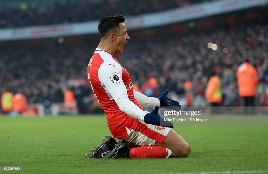 Arsenal v Burnley - Premier League - Emirates Stadium : News Photo