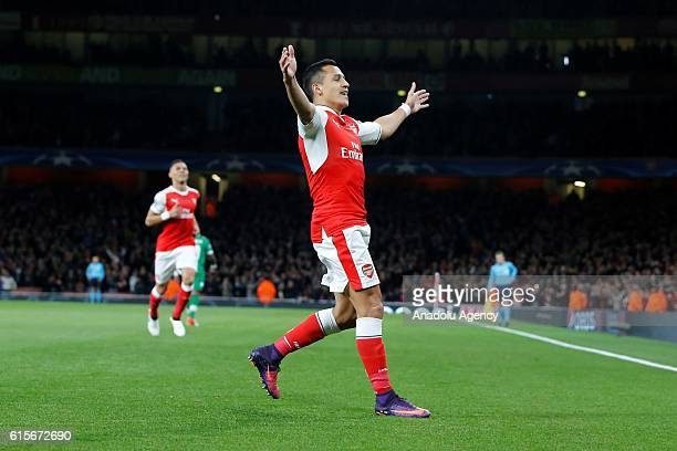 Arsenals Alexis Sánchez celebrates after scoring the second goal during Champions League Group A match between Arsenal FC and Ludogorets Razgrad at...