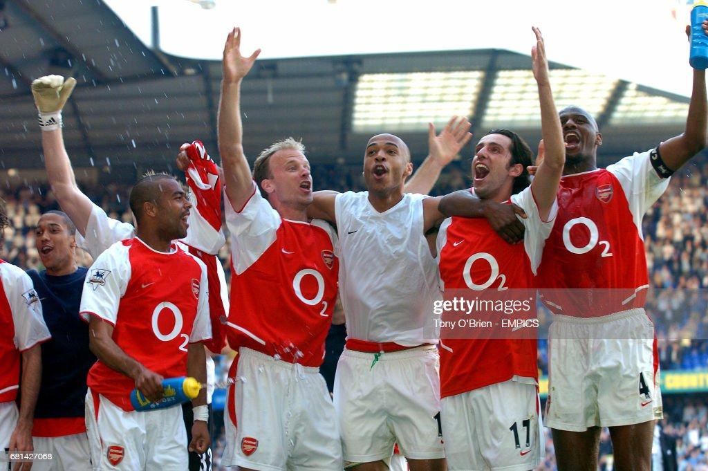 Soccer - FA Barclaycard Premiership - Tottenham Hotspur v Arsenal : News Photo