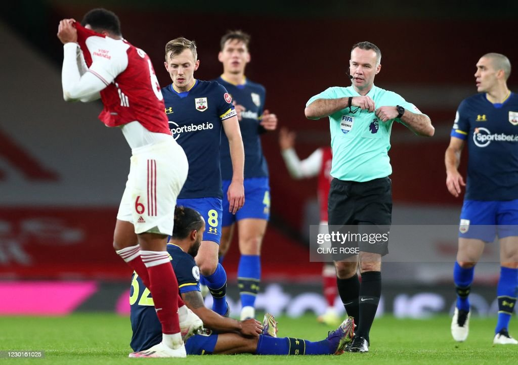 arsenals-brazilian-defender-gabriel-reacts-as-referee-paul-tierney-picture-id1230161025