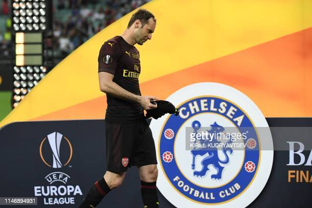 Arsenal's Czech goalkeeper Petr Cech reacts after losing the UEFA Europa League final football match between Chelsea FC and Arsenal FC at the Baku...