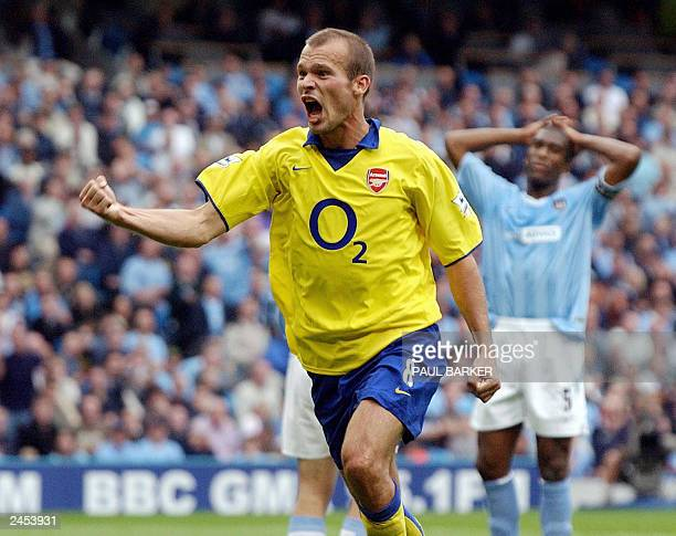 Arsenal's Fredrik Ljungberg celebrates after scoring 21 against Manchester City during their Premiership clash at Manchester Stadium in Manchester 31...