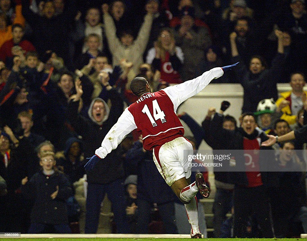 Arsenal's French forward Thierry Henry c : News Photo