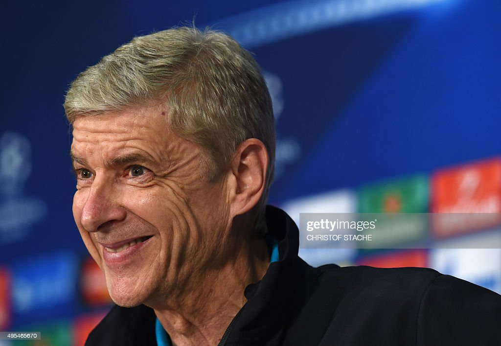 FBL-EUR-C1-ARSENAL-PRESS CONFERENCE : News Photo