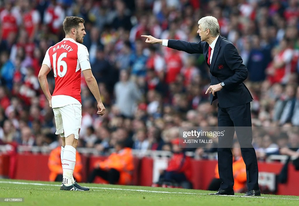 FBL-ENG-PR-ARSENAL-MAN UTD : News Photo