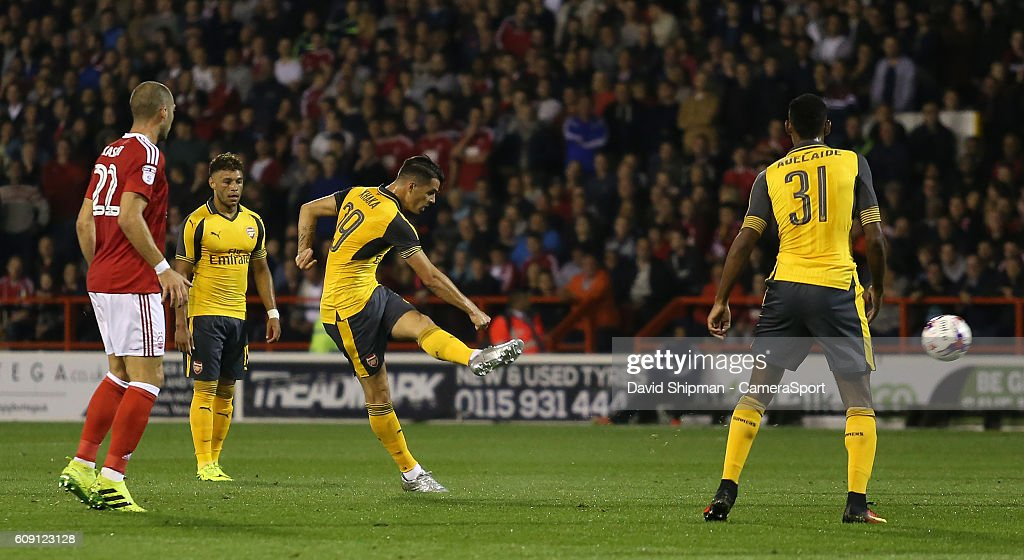 Nottingham Forest v Arsenal - EFL Cup Third Round : News Photo