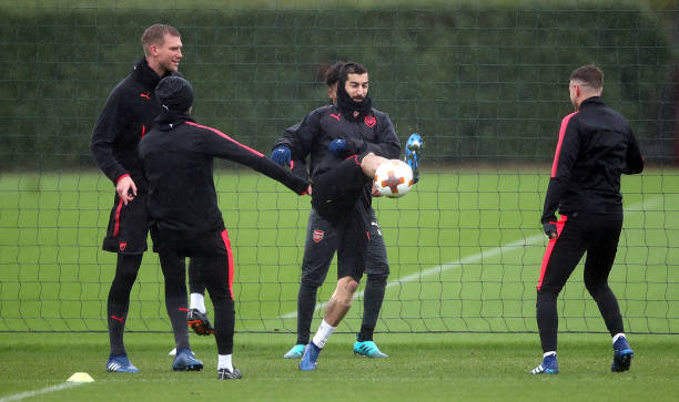 https://media.gettyimages.com/photos/arsenals-henrikh-mkhitaryan-with-teammates-during-the-training-at-picture-id953688986?k=6&m=953688986&s=612x612&w=0&h=NMh_MEphLMS-8FU74NefrZfY6Y1ftd5y9xl215fpXFE=