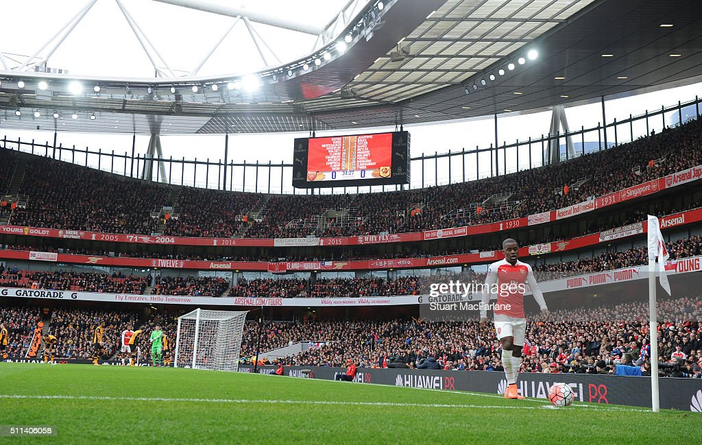Arsenal's Joel Campbell prepares to take a corner during the Emirates FA Cup Fifth Round match between Arsenal and Hull City at Emirates Stadium on February 20, 2016 in London, England.