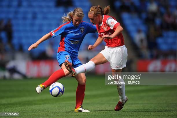 Arsenal's Jordan Nobbs and Bristol Academy's Anouk Hoogendijk