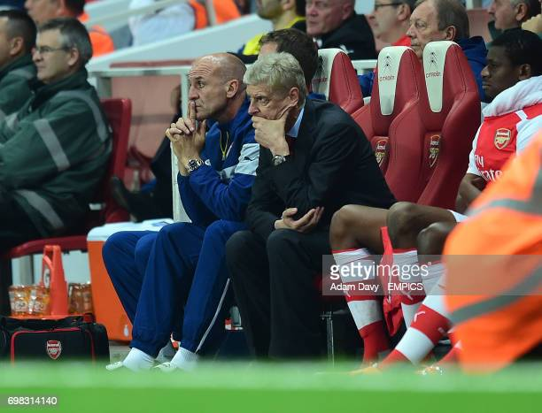 Arsenal's Manager Arsene Wenger looks dejected during the game