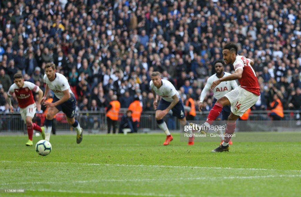 Tottenham Hotspur v Arsenal FC - Premier League : ニュース写真
