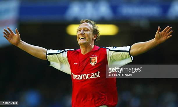 Arsenal's Ray Parlour celebrates after scoring the opening goal during the The FA Cup final against Chelsea at The Millenium Stadium in Cardiff 04...