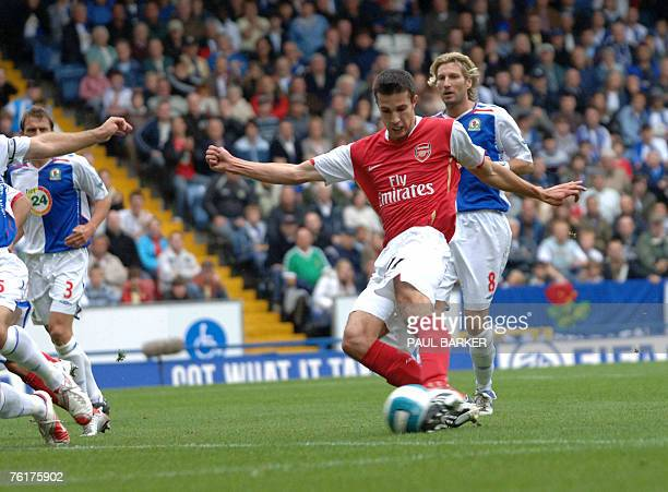 Arsenal's Robin Van Persie controls the ball before scoring to make it 10 against Blackburn 19 August 2007 during a Premiership match at Ewood Park...