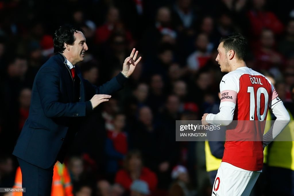 FBL-ENG-PR-ARSENAL-BURNLEY : News Photo
