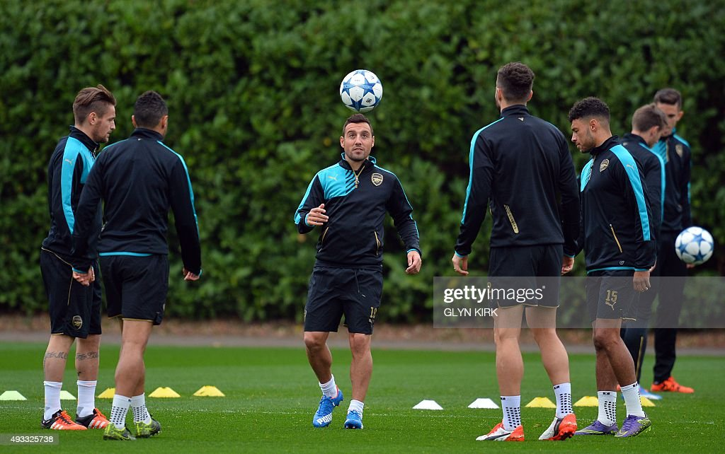 FBL-EUR-C1-ARSENAL-BAYERN MUNICH-TRAINING : News Photo