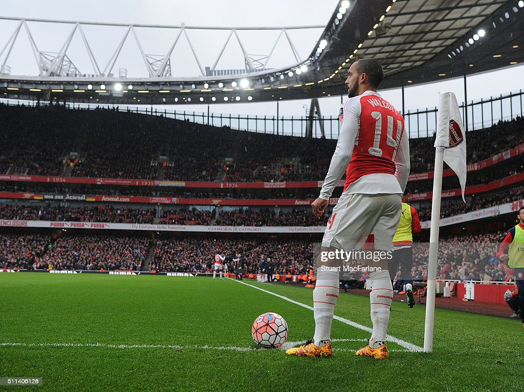 Arsenal's Theo Walcott prepares to take a corner during the Emirates FA Cup Fifth Round match between Arsenal and Hull City at Emirates Stadium on February 20, 2016 in London, England.