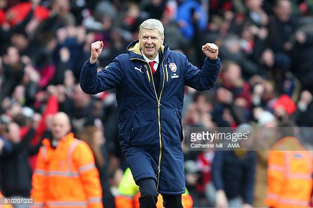 Arsene Wenger manager of Arsenal celebrates during the Barclays Premier League match between Arsenal and Leicester City at the Emirates Stadium on...