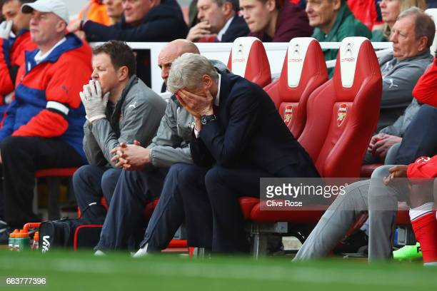 Arsene Wenger Manager of Arsenal is dejected after the Premier League match between Arsenal and Manchester City at Emirates Stadium on April 2 2017...