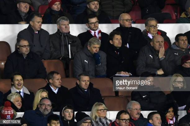 Arsene Wenger Manager of Arsenal looks dejected during The Emirates FA Cup Third Round match between Nottingham Forest and Arsenal at City Ground on...
