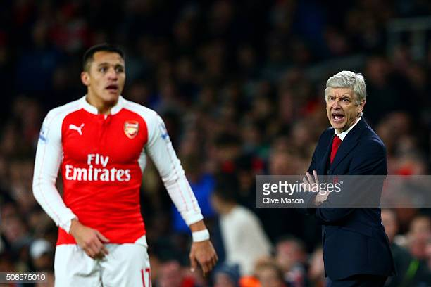 Arsene Wenger Manager of Arsenal shouts instructions to Alexis Sanchez of Arsenal during the Barclays Premier League match between Arsenal and...