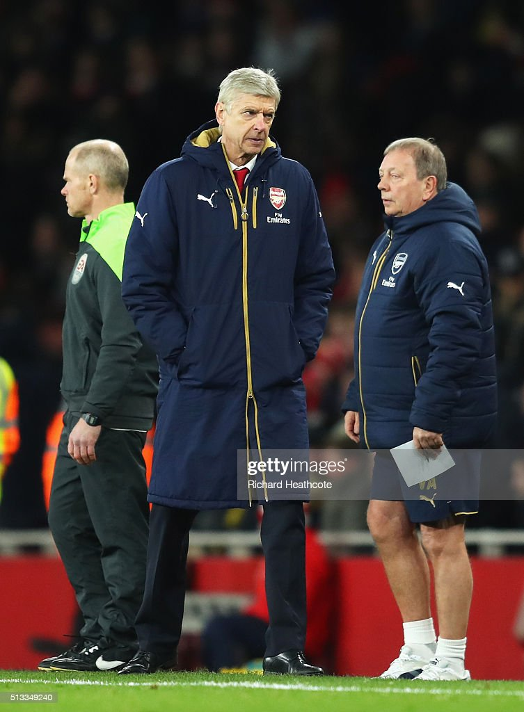 Arsene Wenger Manager of Arsenal stands dejected during the Barclays Premier League match between Arsenal and Swansea City at the Emirates Stadium on March 2, 2016 in London, England.