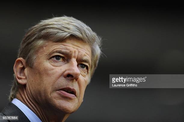 Arsene Wenger of Arsenal looks on during the Barclays Premier League match between Suderland and Arsenal at The Stadium of Light on November 21 2009...