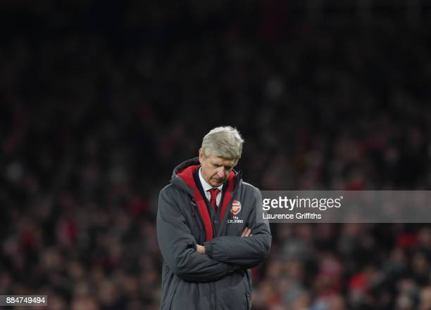Arsene Wenger of Arsenal shows his disappointment during the Premier League match between Arsenal and Manchester United at Emirates Stadium on...