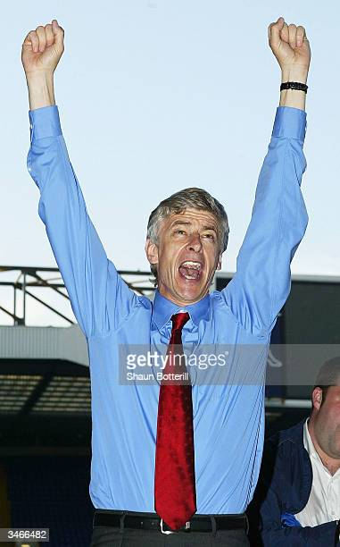 Arsene Wenger the Arsenal manager celebrates at the end of the FA Barclaycard Premiership match between Tottenham Hotspur and Arsenal at White Hart...