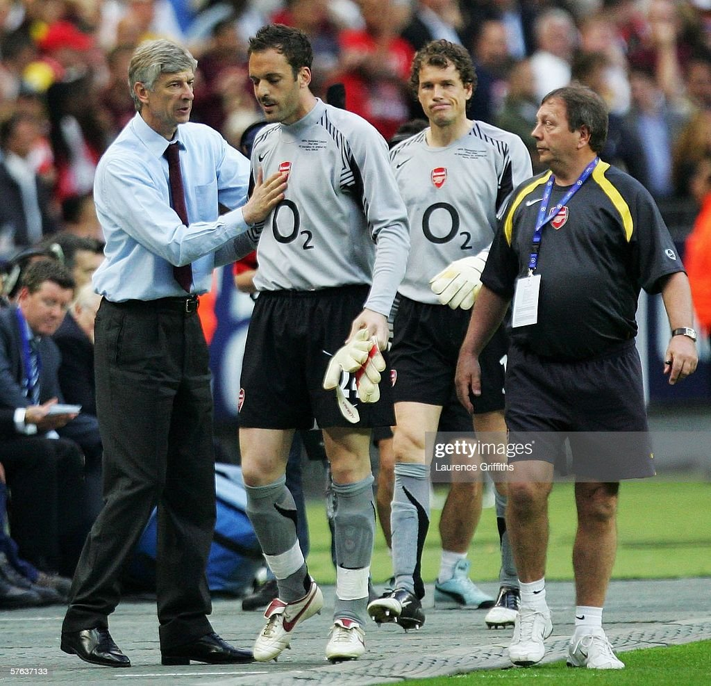 UEFA Champions League Final: Arsenal v Barcelona : News Photo