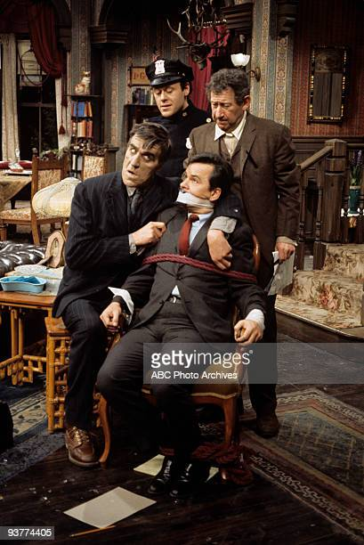 SPECIAL Arsenic and Old Lace 1969 Fred Gwynne Extra Bob Crane Jack Gilford