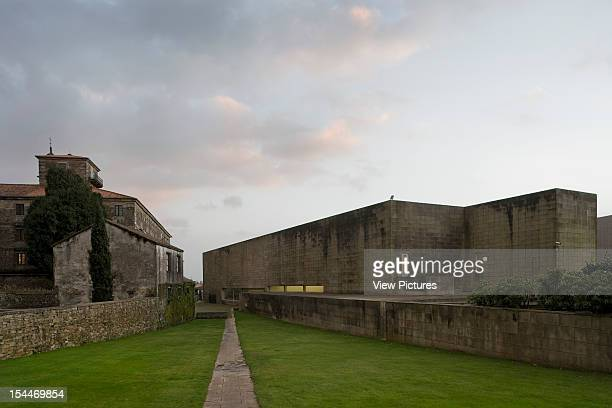 Art Centre Alvaro Siza Santiago De Compostela Spain Grand Exterior Elevation With Historic Convent Alvaro Siza Spain Architect