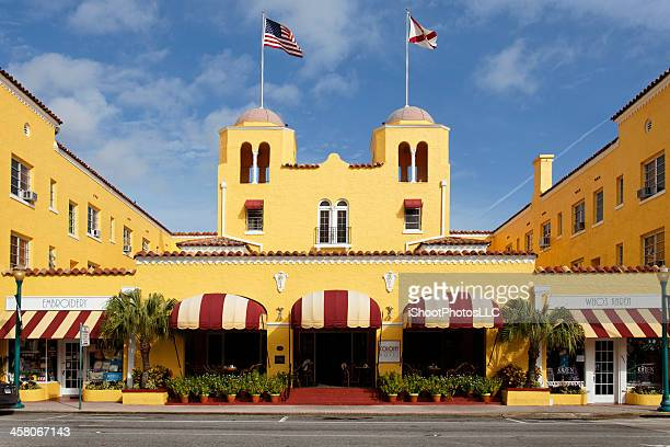 art deco colony hotel in delray beach florida - delray beach stock pictures, royalty-free photos & images