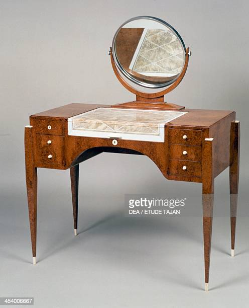 Art Deco style dressing table variation on the Hotel du Collectionneur model stamped by JacquesEmile Ruhlmann amaranth France 20th century