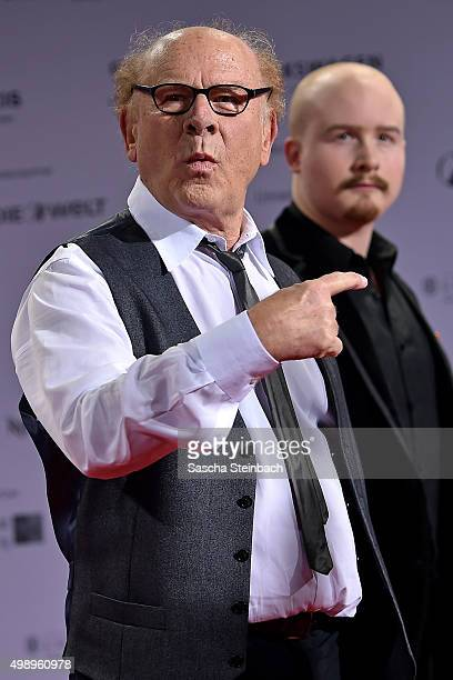Art Garfunkel points to his son James during the German Sustainability Award 2015 at Maritim Hotel on November 27 2015 in Duesseldorf Germany