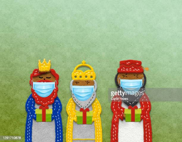 art handmade product the three wise men in felt in covid times - felipe vi of spain stock-fotos und bilder