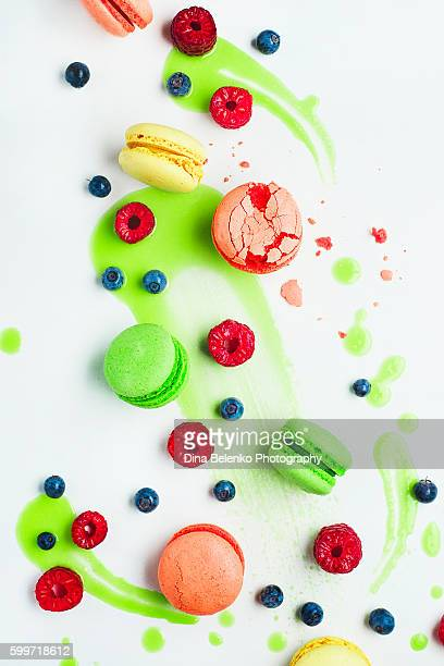 Art of food patterns (with macarons and lime frosting)